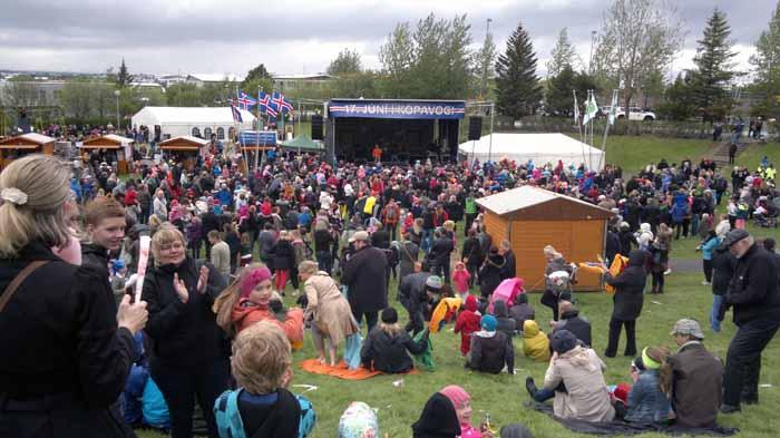 Vart þverfótað fyrir Kópavogsbúum á Rútstúni 17. júní.