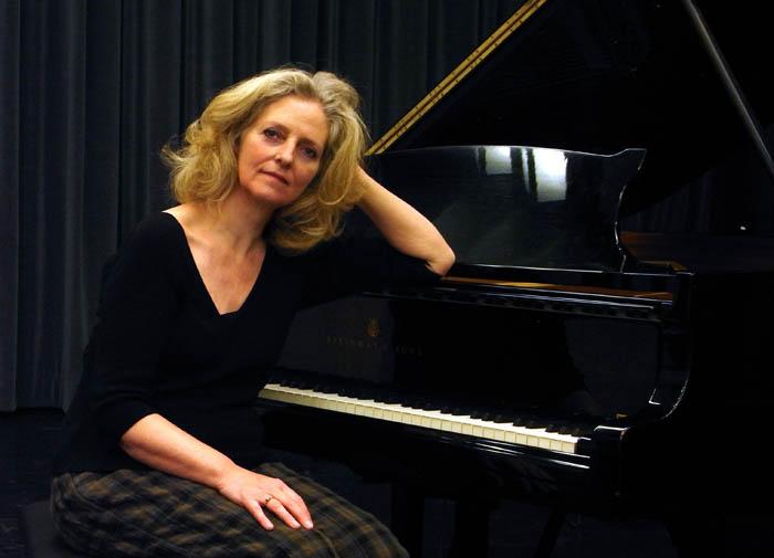 Edda Erlendsdóttir, píanóleikari.