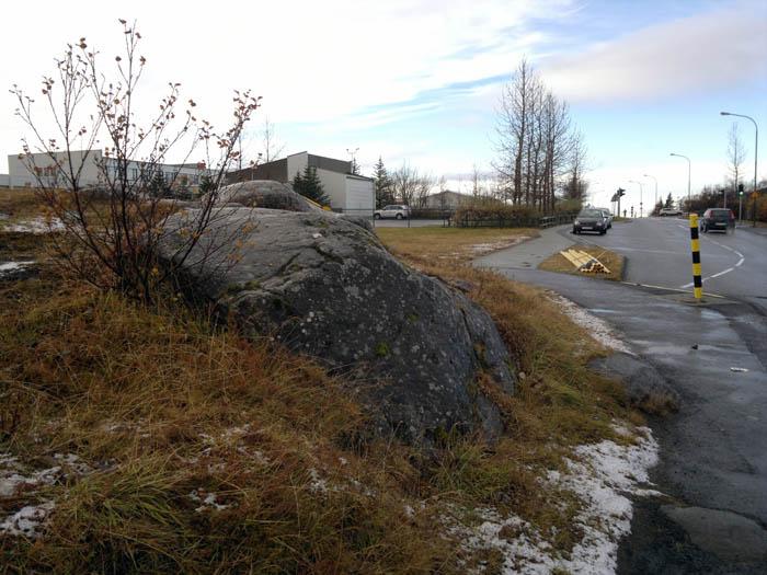 Álfhóll við Álfhólsskóla, horft niður Digraneshálsinn.